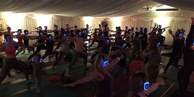 silent disco yoga newquay cornwall oceanflow yoga vinyasa relaxation event