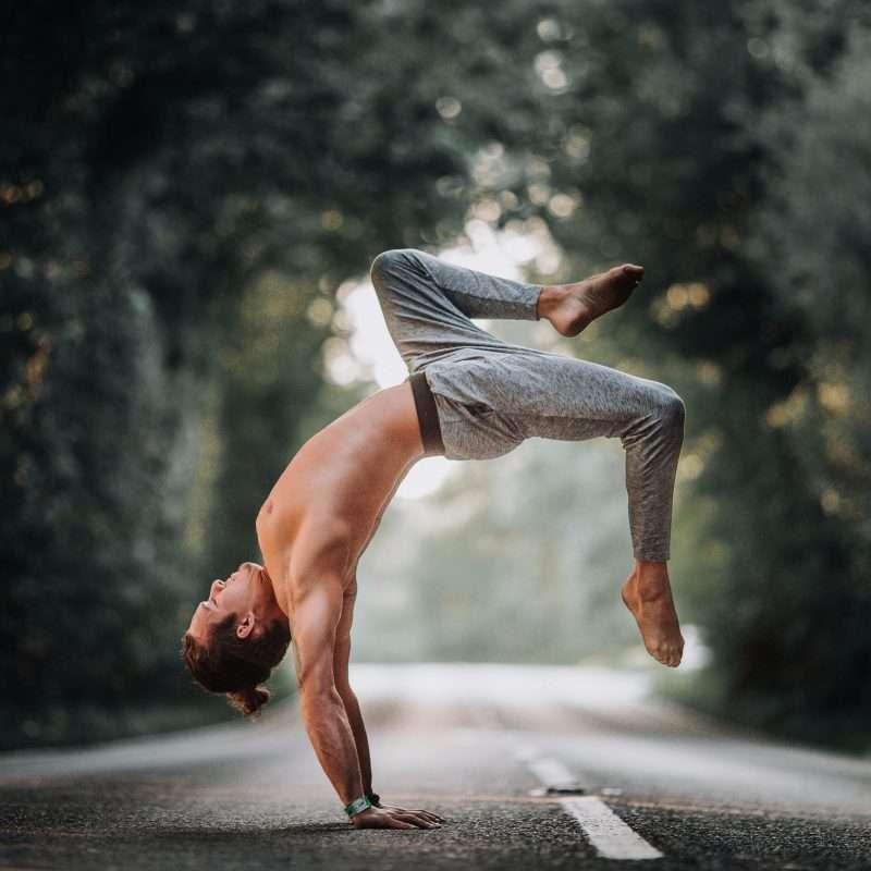inversions, handstands, yoga, cornwall, Dan Morgan