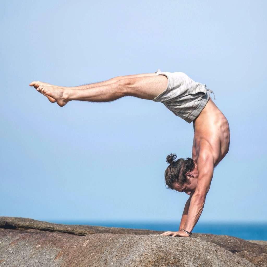 Inversion Workshop at Oceanflow Yoga in Newquay Cornwall with Dan Morgan