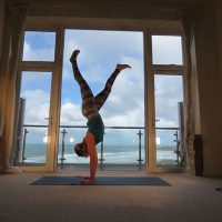 Learn to FLY: Handstands! Tips, Techniques & Home Practice Sequencing to get upside down! Saturday 24th Nov 11.30-2pm